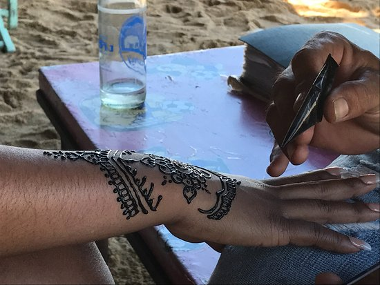 Henna Tattoo Thailand : Sheet of white henna tattoos lace