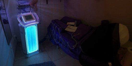 Nettuno, Italia: Presso slim: presso massaggio, infrarossi ed elettro stimolazione