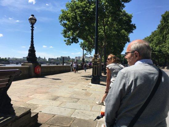 Fat Tire Bike Tours - London : Nice day for a bike ride