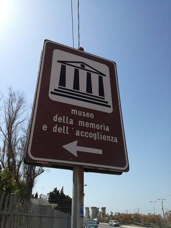 Museo della memoria e dell 39 accoglienza santa maria al bagno italien omd men - Museo della memoria santa maria al bagno ...