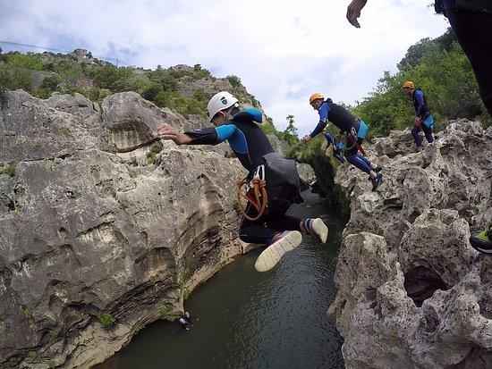 Saint-Jean-de-Cuculles, Frankrike: Le grand saut