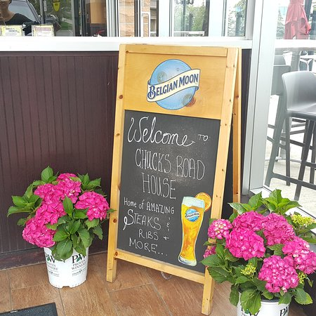 Aurora, Kanada: Chuck's Roadhouse Bar and Grill