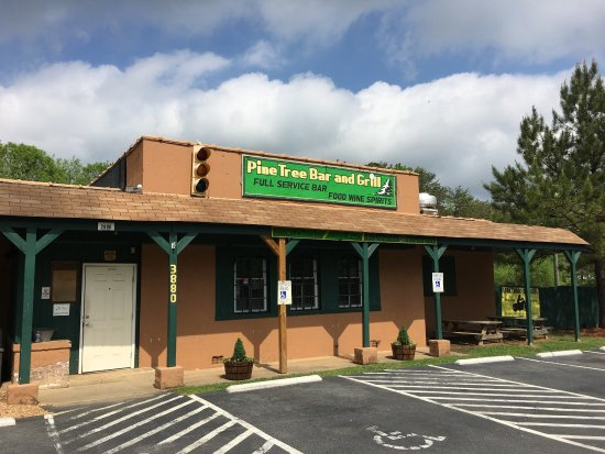 Winston Salem, NC: Pine Tree Bar & Grill