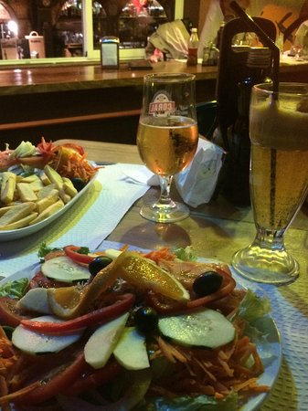 Jardim do Mar, Portugal: Tuna salad, steak and chips, beer and apple juice