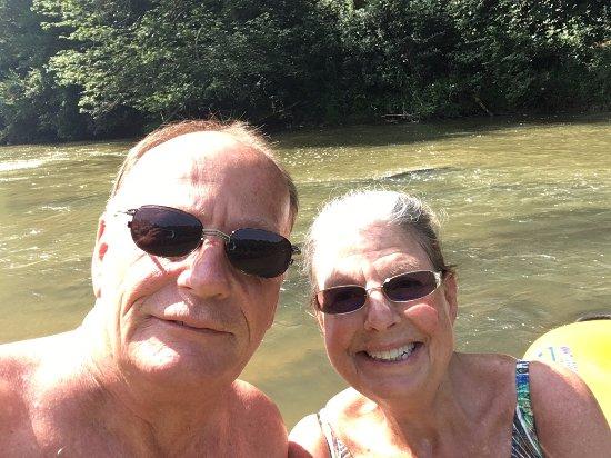 Jefferson, Βόρεια Καρολίνα: Fun time with hubby on the New River!