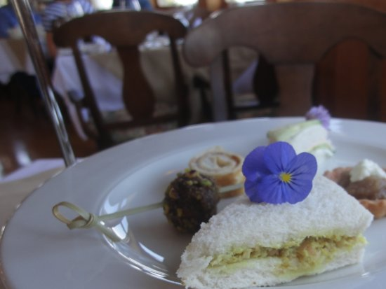 Dalvay, Canada: Afternoon Tea: well presented savoury items and tea sandwiches