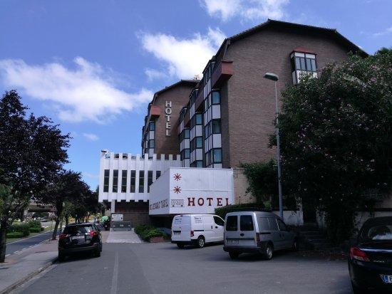 Hotel txartel lasarte espagne voir les tarifs 6 avis for Comparateur de prix hotel espagne