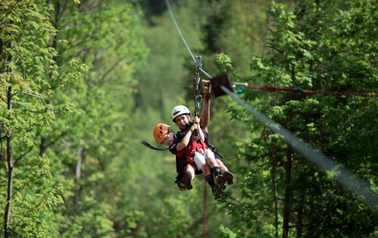 Sainte Agathe des Monts, كندا: Tyrolienne en famille