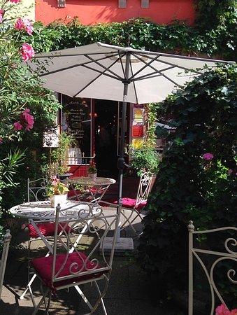 Au fond du jardin strasbourg restaurant avis num ro de for Au fond du jardin strasbourg