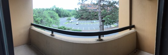 Landover, MD: balcony with no chair/table