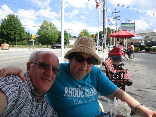 Rumford, RI: Louis and I at Sunshine Creamery.