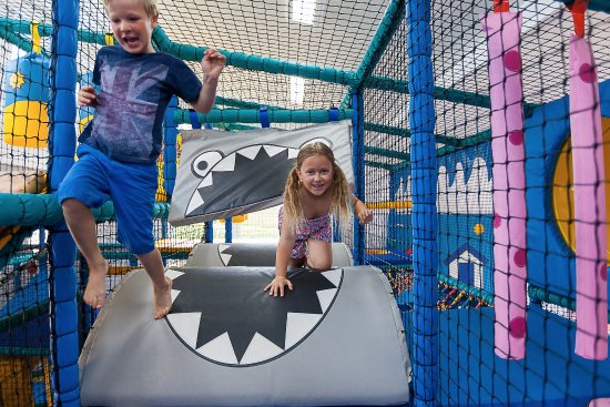 Polmanter Touring Park : Free indoor soft play area