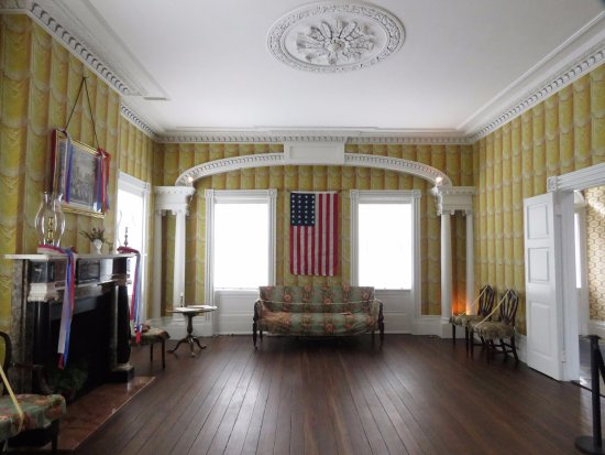 Davenport House Museum: The sitting room or drawing room