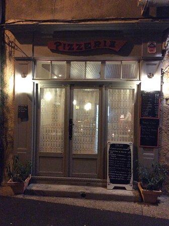 Apt, France: Entrée du restaurant
