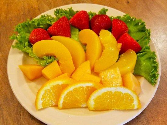Thief River Falls, MN: Breakfast fruit plate