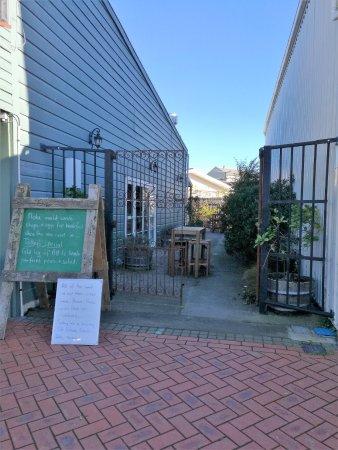 Waipawa, New Zealand: Courtyard