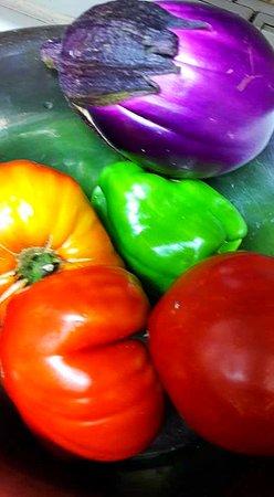 """Puisserguier, France: Légumes d'été du """"Panier d'Eloîse"""" notre maraîcher à Béziers"""