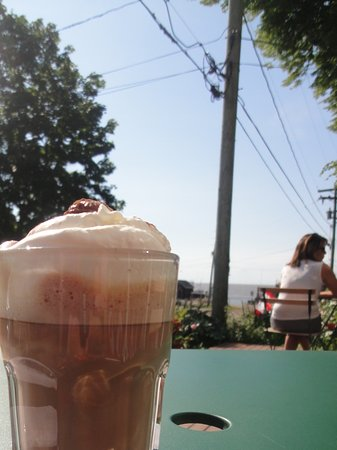 Victoria, Canada: Hot chocolate, my new favourite drink