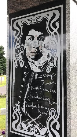 Jimi Hendrix Grave Site: photo3.jpg