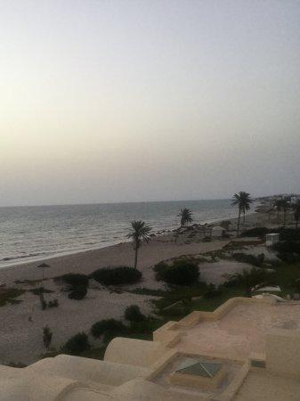 Radisson Blu Ulysse Resort & Thalasso Djerba: Vue mer latérale.