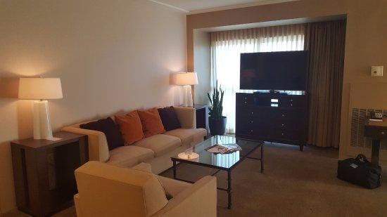Dallas/Fort Worth Marriott Solana: corner suite