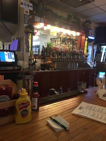 Rogue Ales Bayfront Public House : Bar