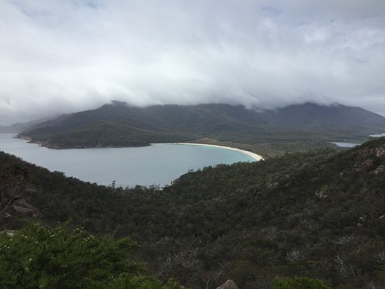 Coles Bay, Avustralya: View from Wineglass Bay Lookout 1