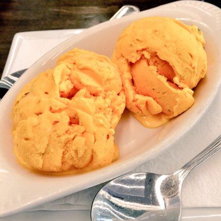 Amoo's Restaurant: photo2.jpg