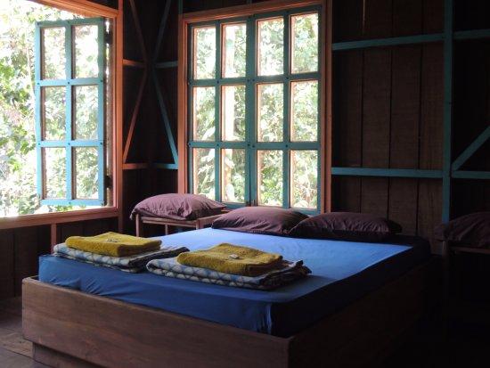 Horquetas, Costa Rica: Rainforest cabin , private bathroom and balcony