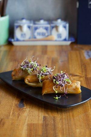 Tao restaurant bar queenstown restaurant reviews for Bar food queenstown