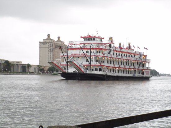 The Marshall House: On the waterfront. Ferries offer dinner cruises