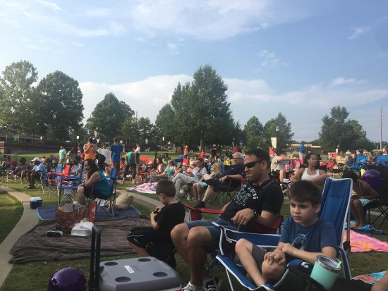 Suwanee, GA: Lego Batman movie at B98.5 Movie Under Stars
