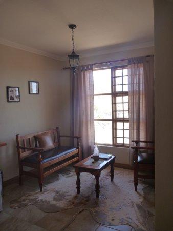Klein-Aus Vista: Desert Horse Inn : Sitting Area