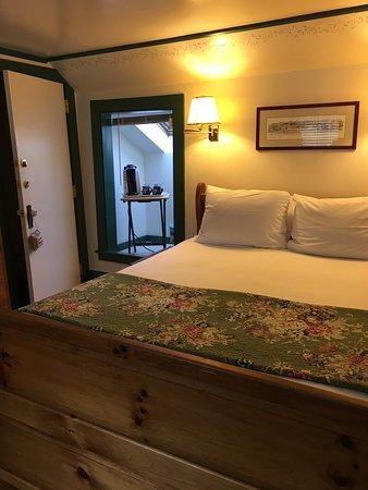 Blue Harbor House Inn: photo0.jpg