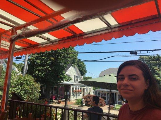 Caffe Prego : Colorful perch on Shore Rd