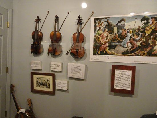 Baxter Springs, KS: music display