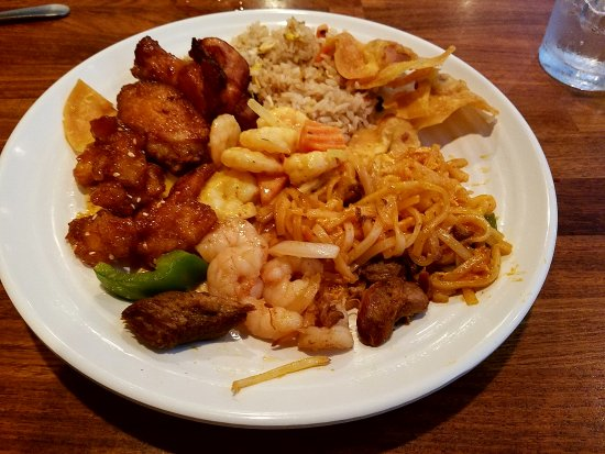 Peachtree City, Georgien: For the price of two Coconut Soup at other Thai Restaurants I was able have that as part of the