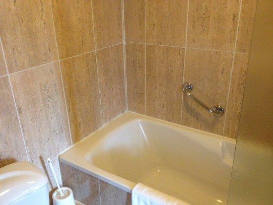 Turnhout, Belgium: Nice big tub.