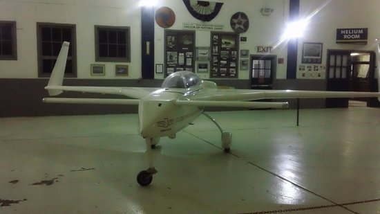 Tillamook, OR: Experimental Plane that was the kind John Denver was killed in.