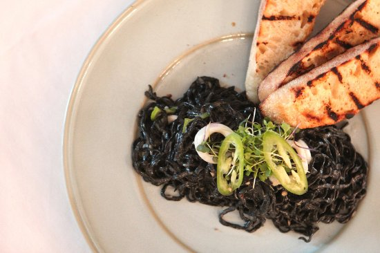 Cherry Valley, Califórnia: Squid ink Black Spaghetti