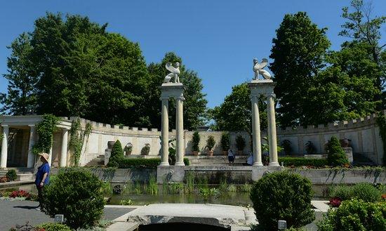 Yonkers, NY: Untermyer garden