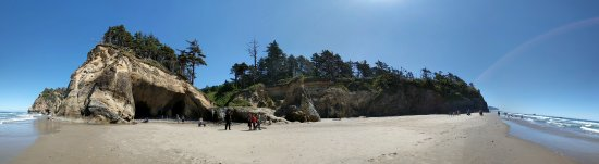 Hug Point State Park: Panorama of the cove where the falls are