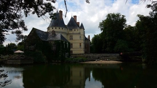 Azay-le-Rideau, Γαλλία: View from across the pond