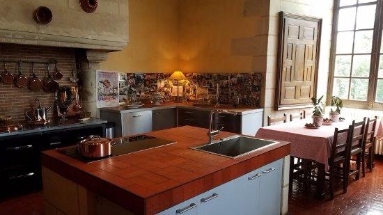 Azay-le-Rideau, France: Modern kitchen