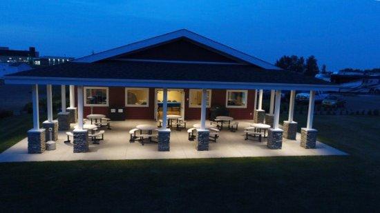 Spruce Grove, كندا: Community Center Patio