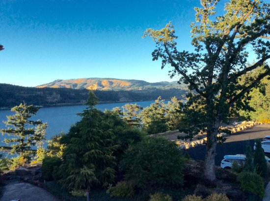 Hood River at Columbia River Gorge.
