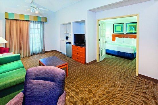 College Station, Teksas: Suite