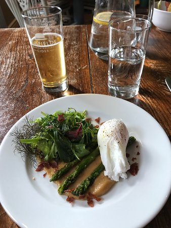 Knighton, UK: asparagus salad with crispy prosciutto and poached egg
