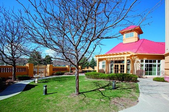 Lakewood, CO: ExteriorView