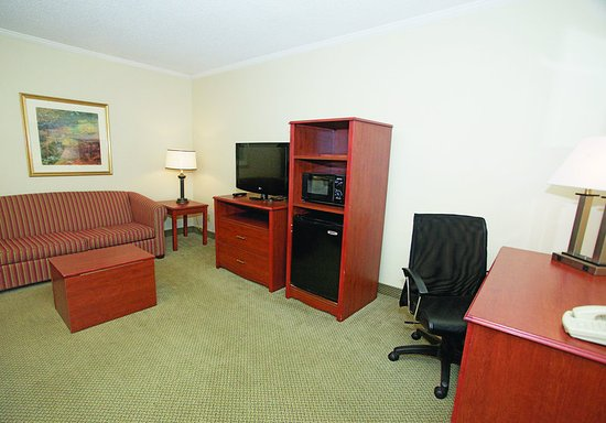 Oak Creek, WI: Guest Room